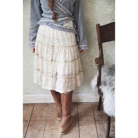 Helt ljuvlig kjol i spetsar från JDL