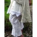 Vita mamelucker i broderat bomullstyg