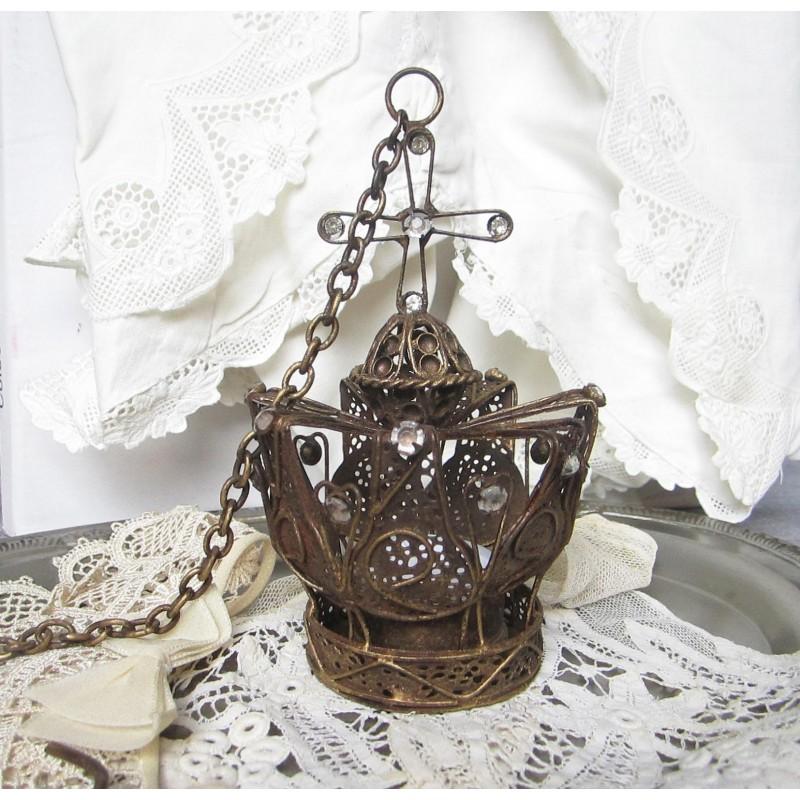 Vacker detaljrik krona för ljus
